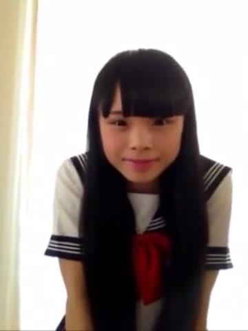 日本學生妹脫衣自慰