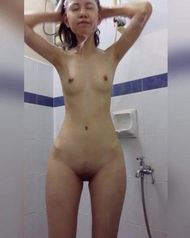 國中妹妹洗澡自拍
